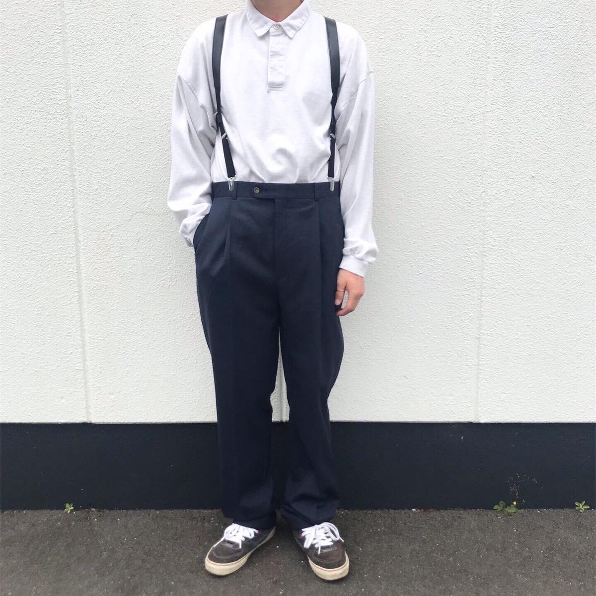 2019年6月23日 | 90年代ジェイクルーラガーシャツとトミーヒルフィガースラックスパンツのモノトーンコーデ