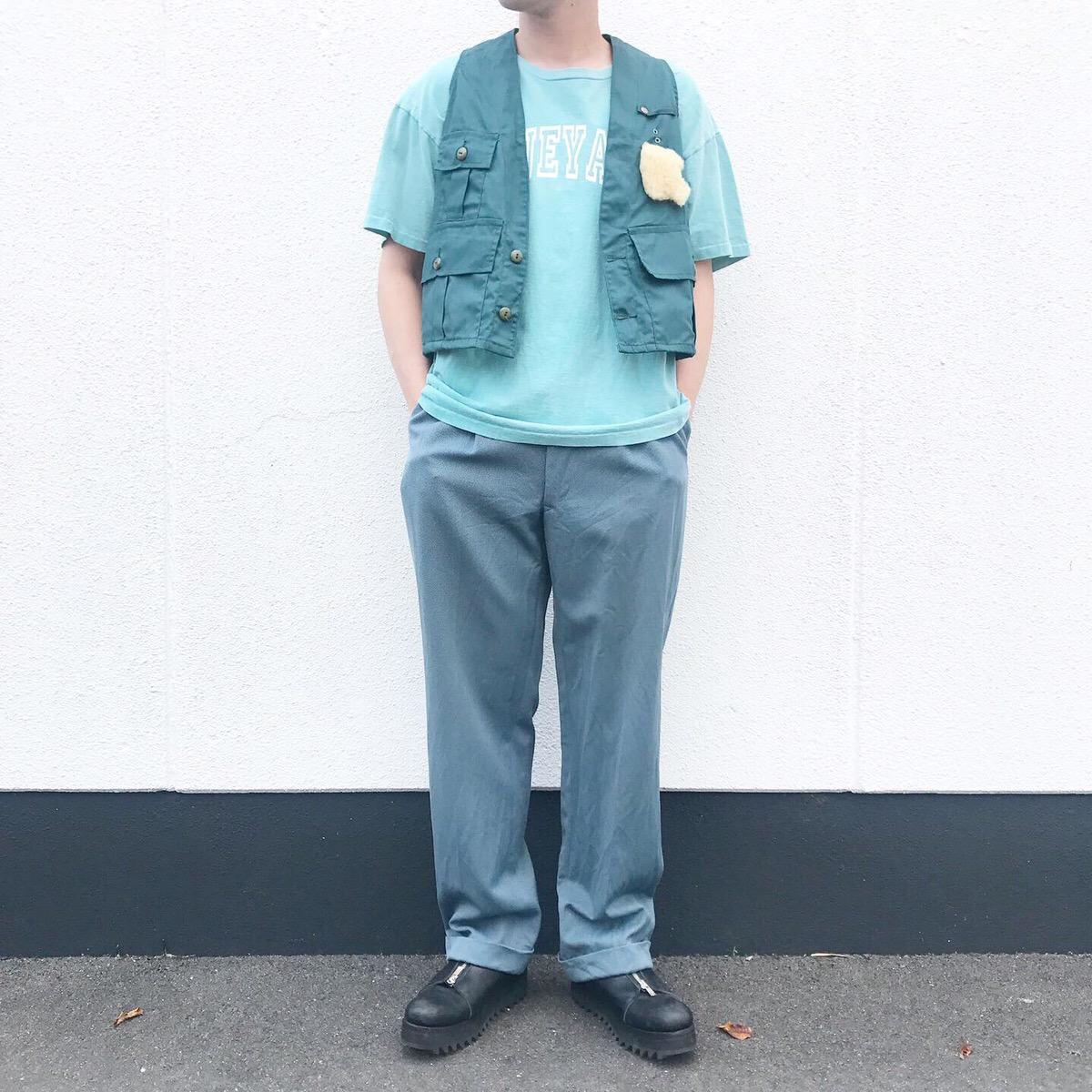 2019年8月6日 | 90年代ビンテージTシャツと60年代ビンテージパンツのワントーンコーデ