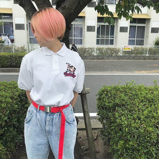 80年代ファッション ポロシャツとジーンズ
