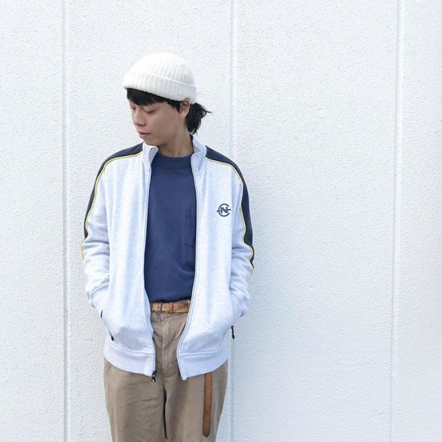 ストリートファッションの古着コーディネート2