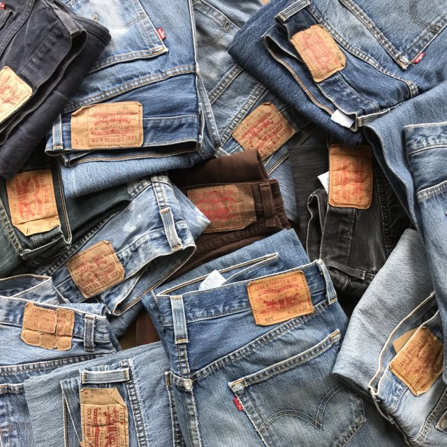 古着のジーンズはリーバイスやリー