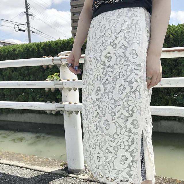 レースの古着スカート