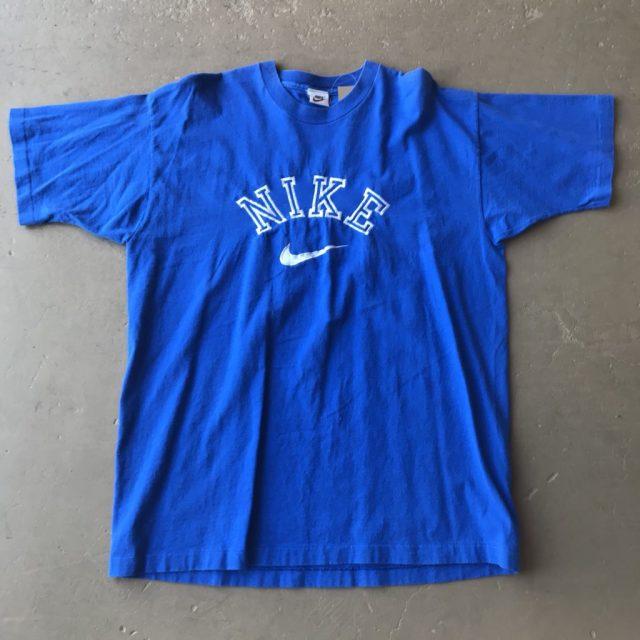 ナイキの古着Tシャツ
