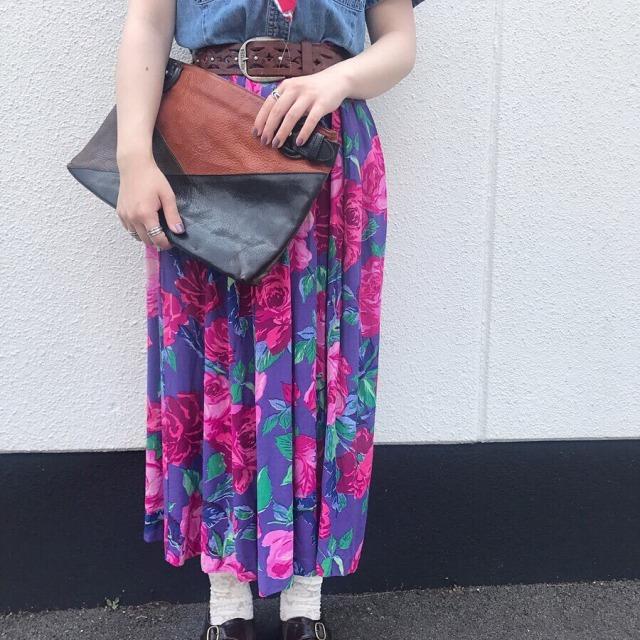 レトロな華やか柄スカート古着