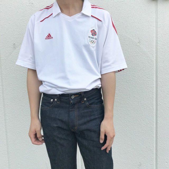サッカーTシャツを使った安いけどおしゃれなファッション